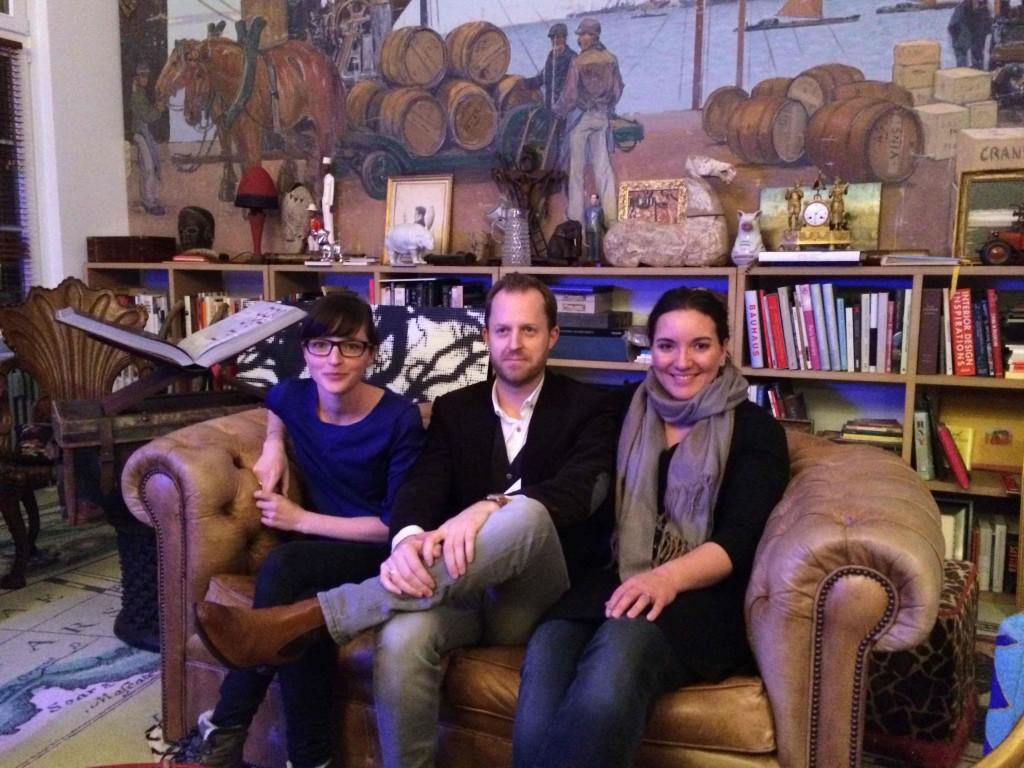 Links Fotografin Julia Cawley und die Autoren Lars Wentrup und Lisa Nieschlag
