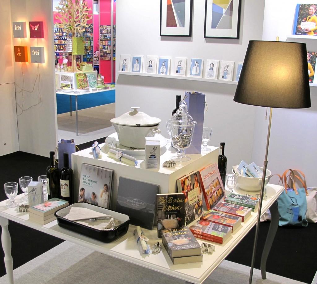 Bücher und Nonbooks Seite an Seite - so präsentierte Angelika Niestrath ihr Konzept auf der Paperworld.