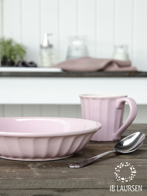 Mynte cutlery and New Mynte deep plate & Mug in English Rose, Autumn news 2015. Photo: Ib Laursen